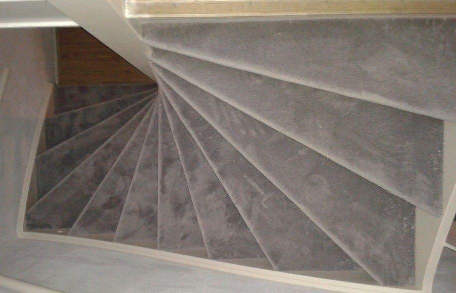 Trap Tapijt Leggen : Vloerbedekking voor vloer trap en over tegels materialen